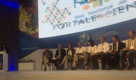 Universidad CLAEH expuso en Colombia sobre descentralización y gobernanza territorial